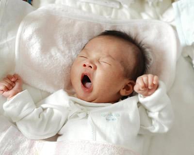 新生儿出现惊厥是怎么回事?家长要如何正确应对?