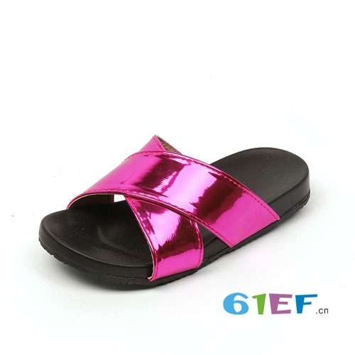 女童夏季穿这6种凉拖 百搭大气解放高温双脚