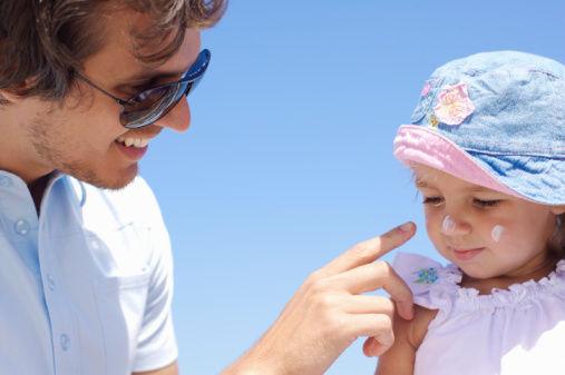 夏天宝宝防晒很重要,晒伤患癌率翻倍!