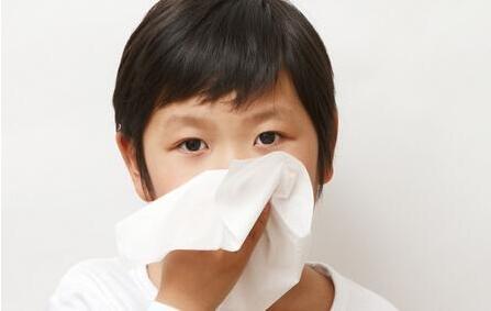 孩子一起床就咳个不停 一个多月不好!医生说:小心哮喘!