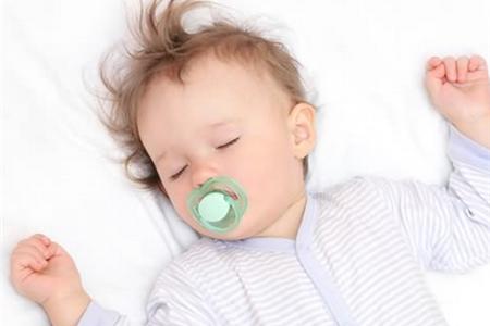 宝宝晚上睡不好? 睡觉之前准是吃了它