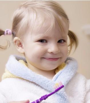 怎样让宝宝喜欢上刷牙呢? 父母应该正确引导