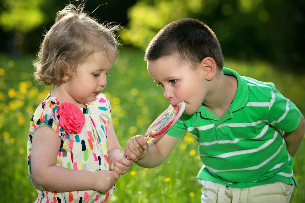 母乳蛋白质含量高小儿容易便秘? 小儿便秘有哪些原因?