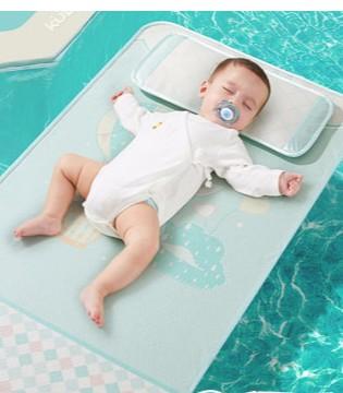 很多家长不知道  凉席使用不当会引起宝宝出线皮疹