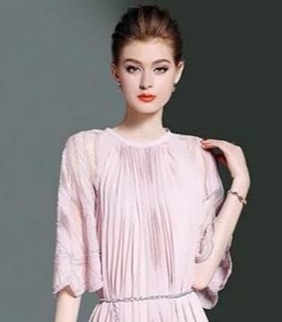 不同风格的百褶裙 让你的造型迅速升级