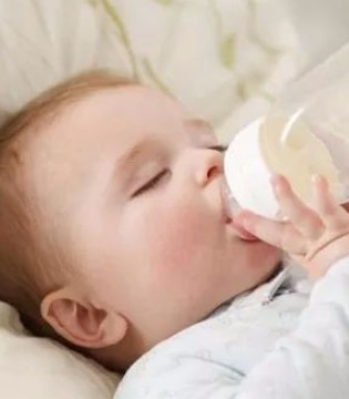 奶粉究竟可以喝到多大?还真不是想象的那么简单