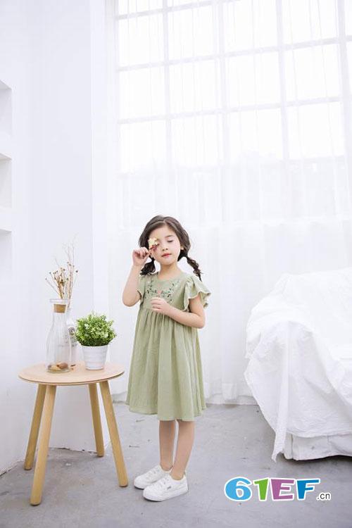 梦芭兔甜美连衣裙  带领孩子开启浪漫生活