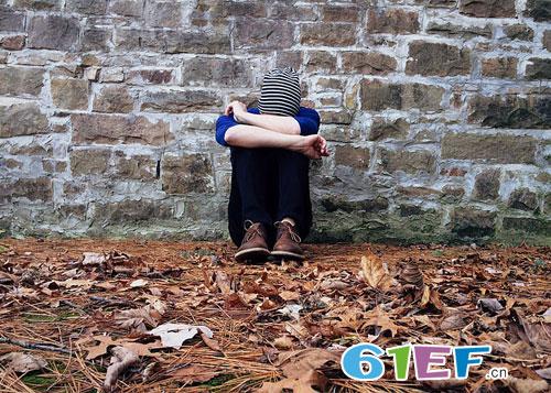 女孩直播割腕自杀引深思——你真的关心你的孩子吗?
