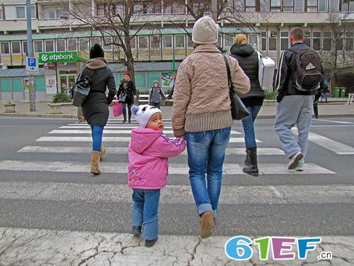 儿童安全知识――孩子千万别给陌生人开门!