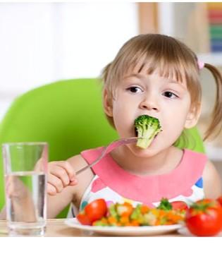 爸爸妈妈看过来 宝宝吃饭到底有多难?