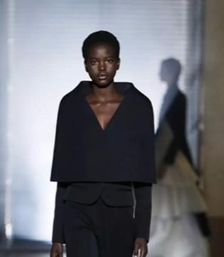 纪梵希Givenchy2018春夏高定 展示浪漫气息