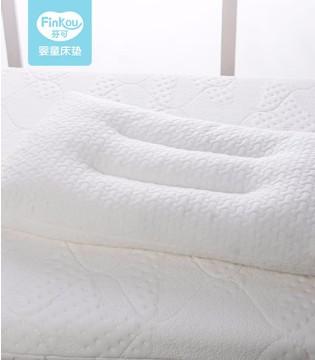 多大的宝宝需要枕头?如何挑选宝宝枕头?