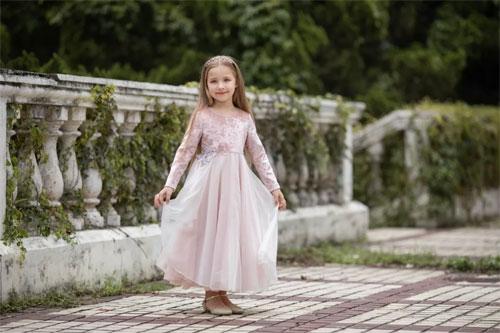 LiCiLiZi爱她 就放手让她自己去看看这个美丽的世界