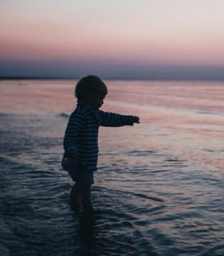 为什么小孩子易发疝气?疝气是什么病?