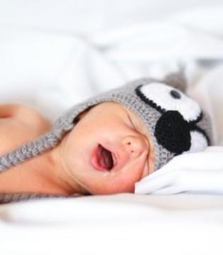 新生儿都有哪些睡姿  投降式睡姿有哪些优点