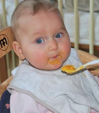 别随意相信市面上的儿童食品 这四种不适合孩子!
