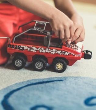 孩子们非常喜欢的玩具 儿童玩具车的好处有哪些?