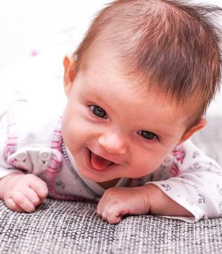 宝宝拉绿便是闪了腰?宝宝绿便的原因有哪些?