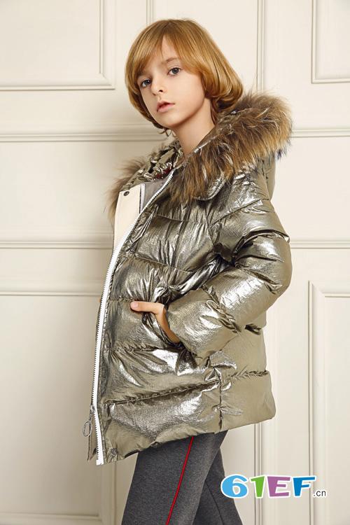 泡泡噜秋季男童时髦外套  让宝贝成为人群中瞩目的焦点