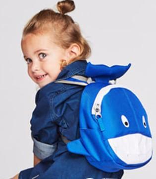 如何为宝贝挑选双肩包? 书包有哪些材质?