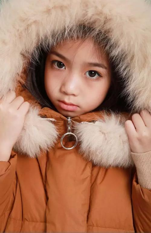 艾米艾门|穿上aimiaimen羽绒轻便过冬 温暖缠身~