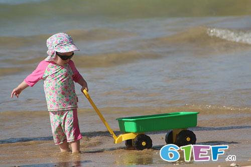 孩子天生需要玩 爱孩子就让孩子玩个够!