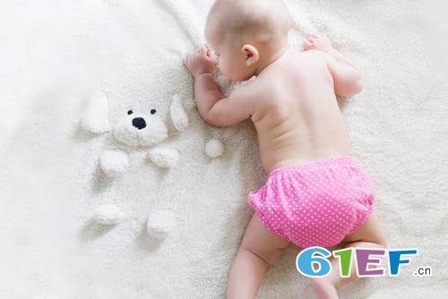在宝宝的发育过程中 宝宝吃手指的好处有哪些?