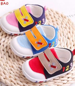 选择一对合适的学步鞋很重要 关于宝宝学步鞋的小知识