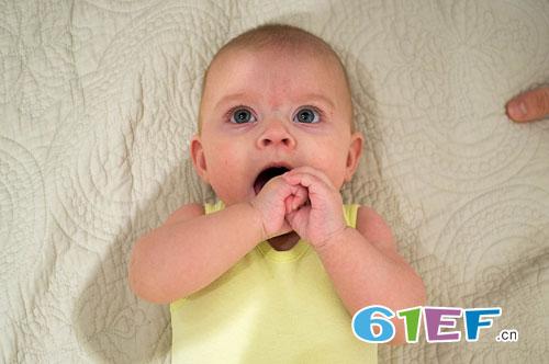 三四岁的宝宝为什么还喜欢吃手?宝宝吃手怎么办?