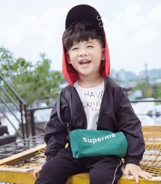 德蒙斯特时尚童装 温柔陪伴孩子成长