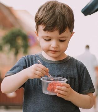 让孩子从小开始做家务 有助于孩子健康成长