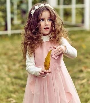 孩子保暖很重要 但是打扮自然也要费点心思了