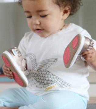 Robeez学步童鞋 陪伴宝宝成长的每一个成就