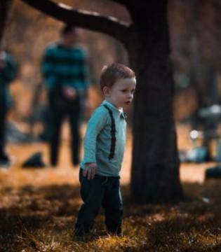 导致孩子出现抽动症的因素主要是什么呢?
