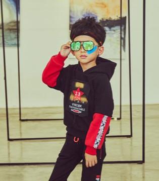 叽叽哇哇童装活力色彩  让世界聚焦于你!