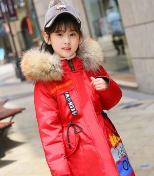 的纯羽绒服也要赶时髦 赴约秋冬新风尚