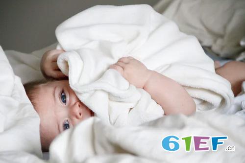 孩子哭闹着不想睡觉  如何解决孩子的睡觉问题?