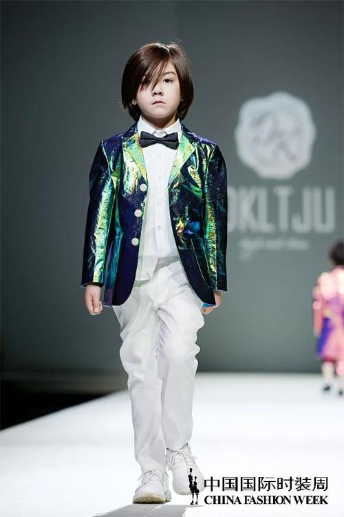 中国国际时装周DKLTJU 2019春夏系列新品发布