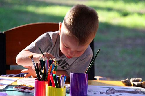五岁男孩一年读500本英文书 你希望孩子成为超人吗?