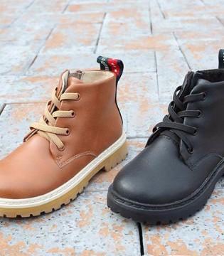 潮童花样时髦马丁靴 做冬日风度少年