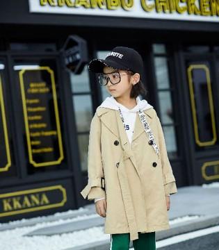 2018秋冬季儿童卫衣如何搭配比较时尚?