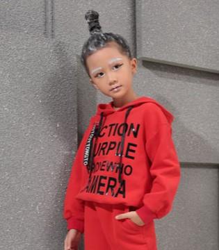 秋冬季孩子穿什么颜色的卫衣比较好看?