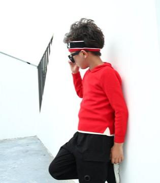 儿童秋冬卫衣搭配很简单 用这个色就OK!
