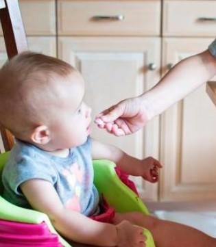 妈妈快住手!四大错误喂养方式危害宝宝健康
