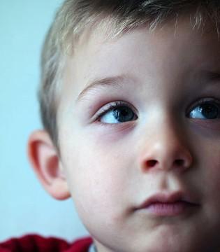 孩子为什么经常固执着不肯认错?原因是……