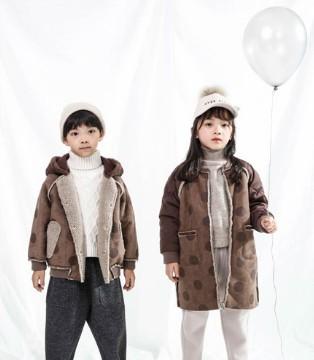 恋衣臣新款小外套 保暖时尚一步到位
