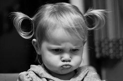 新闻资讯 亲子地带 > 正文     孩子从一出生就会遇到生气,愤怒的情感