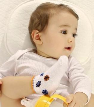 为什么儿科医生和护士建议 让新生儿平躺着睡觉