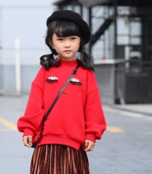 可趣可奇童装 给孩子带来一个时尚的秋天