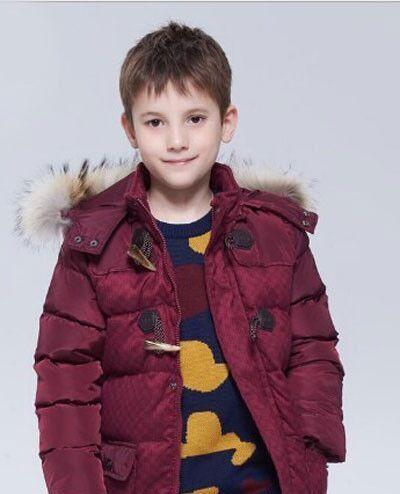 亮色的服装单品 在冬季穿搭非常好看
